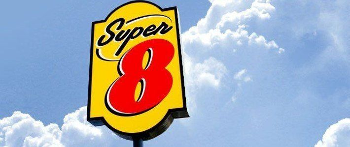 Super 8 by Wyndham Kansas City Airport