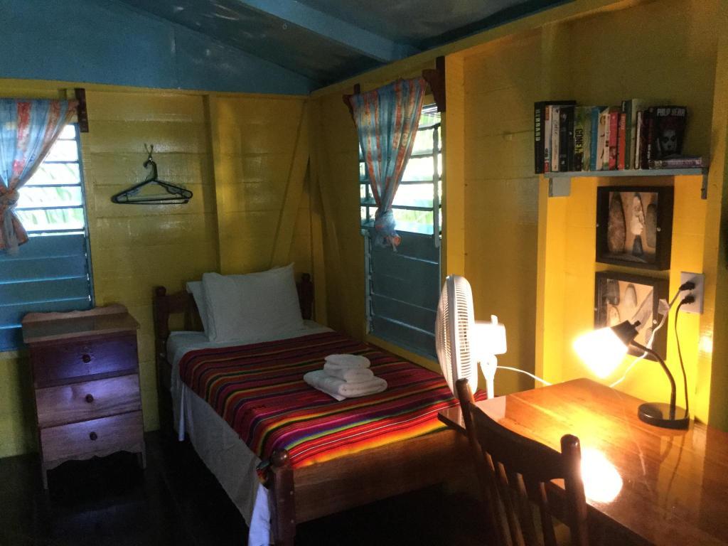 Raised Caribbean Cabana (5)   Colinda Cabanas - Caye Caulker - Belize   Colinda Cabanas  Caye Caulker  Belize