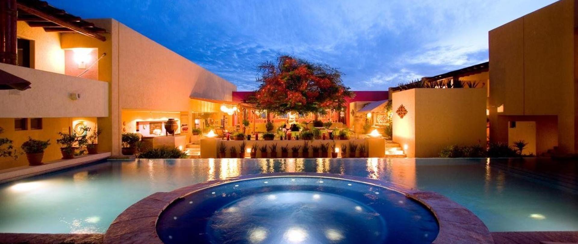 Hotel Los Patios.jpg