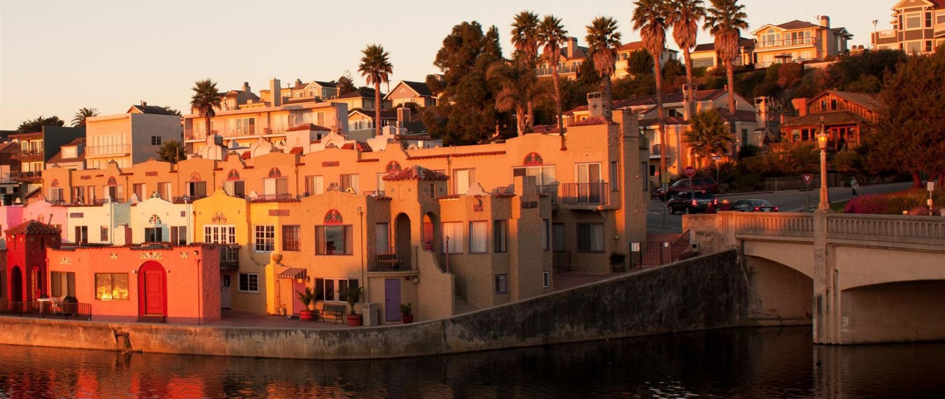 Capitola Venetian Hotel