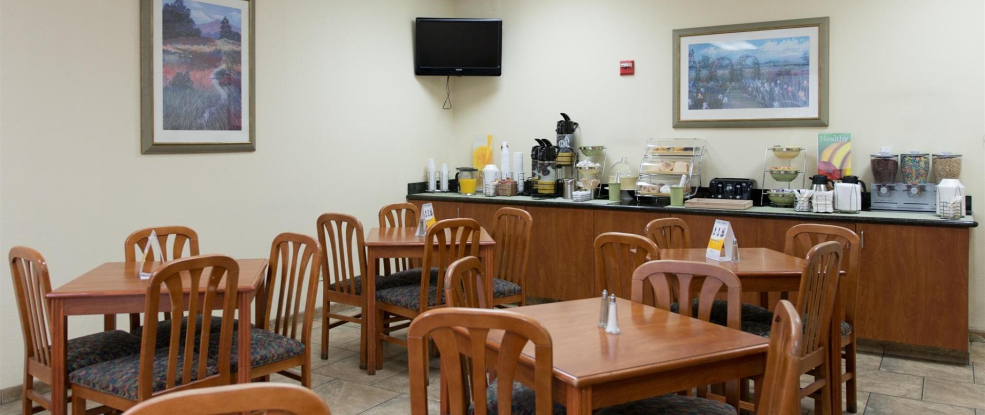breakfast-area-2.jpg