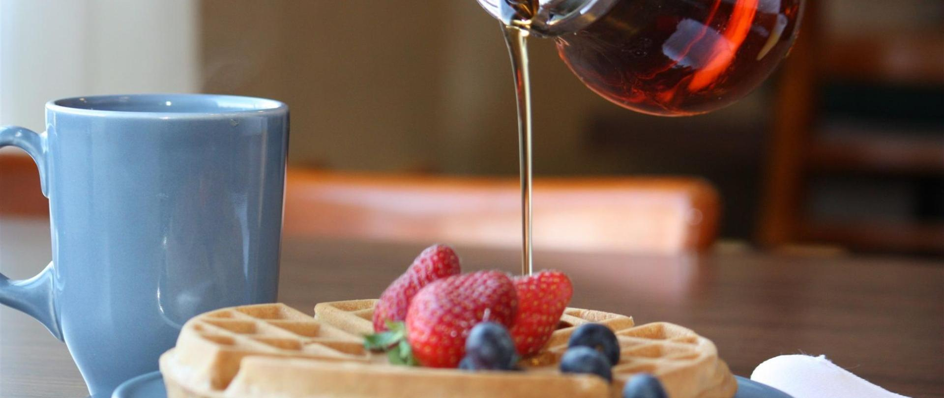 59747608_delicious_waffles_with_syrup_-5.jpg