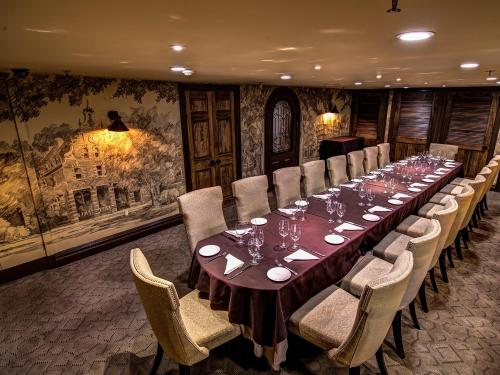 Peacock Alley Is Our Most Unique Private Dining Space Located On Our Lower  Level. This Intimate Space Was The Former Speakeasy Of The Inn And Features  A ...
