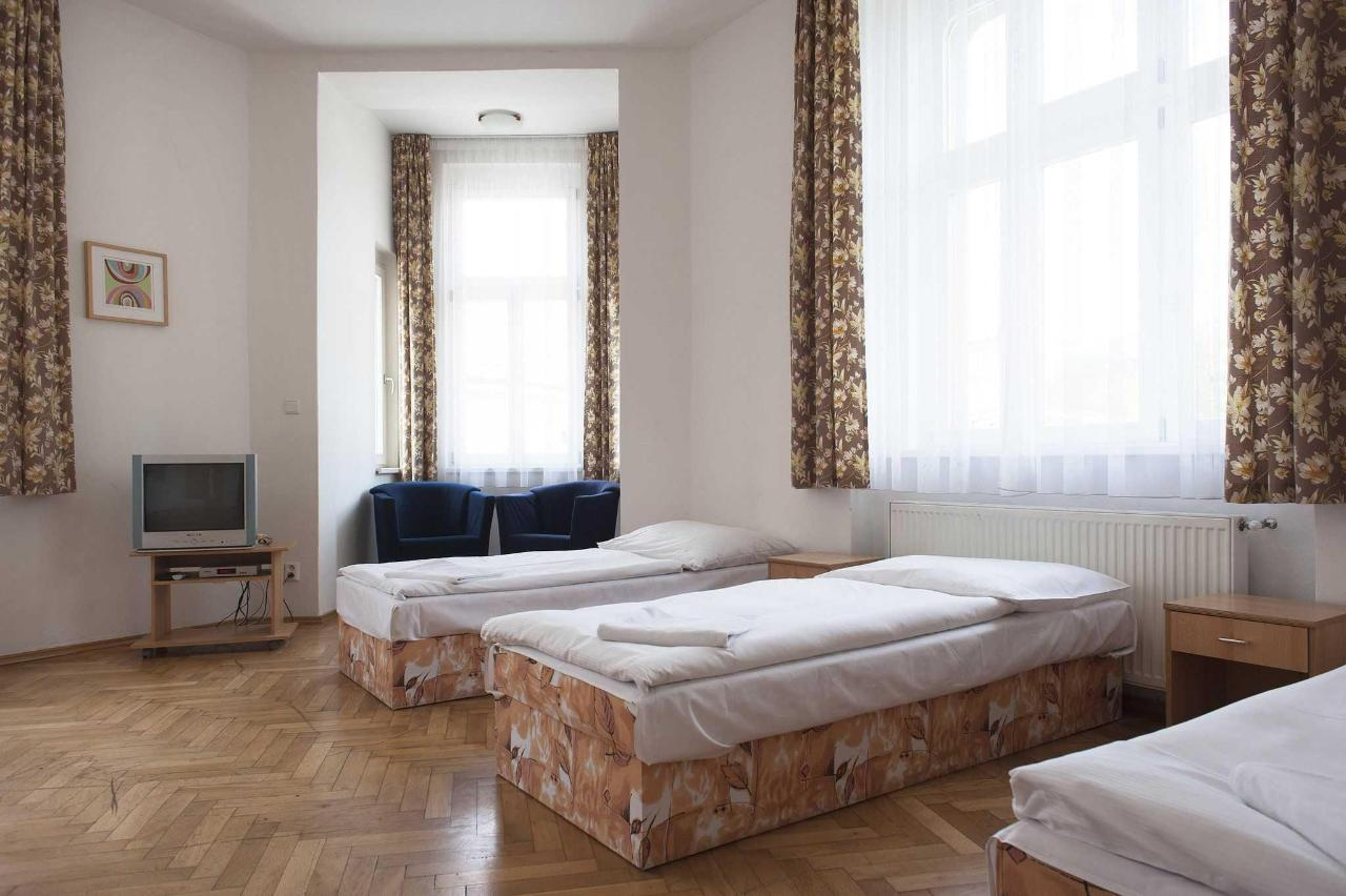 Two bedroom apartment - 6 beds
