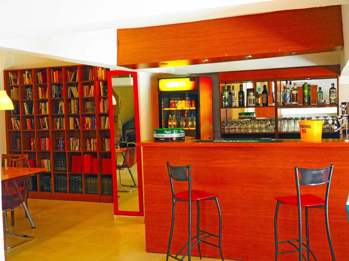Kütüphane ve lobby bar