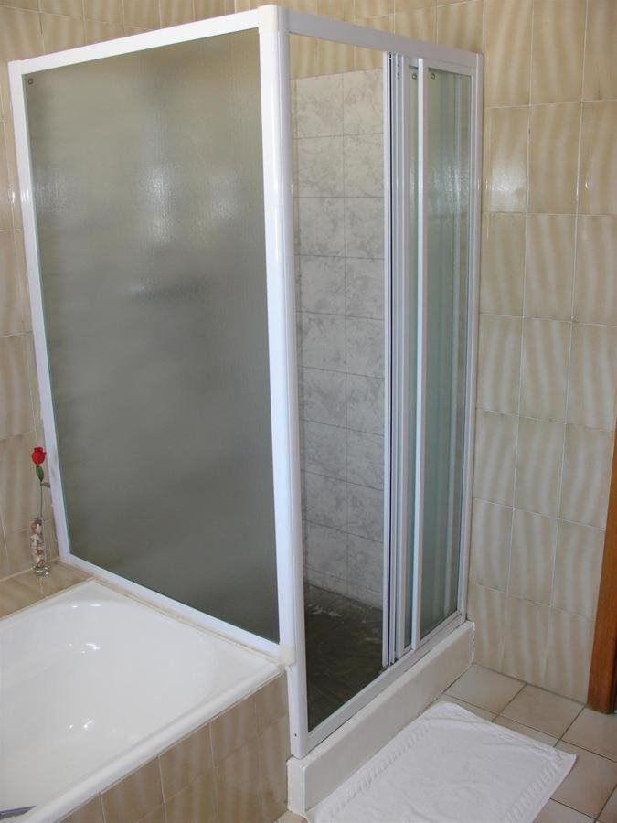 double room bathroom 2