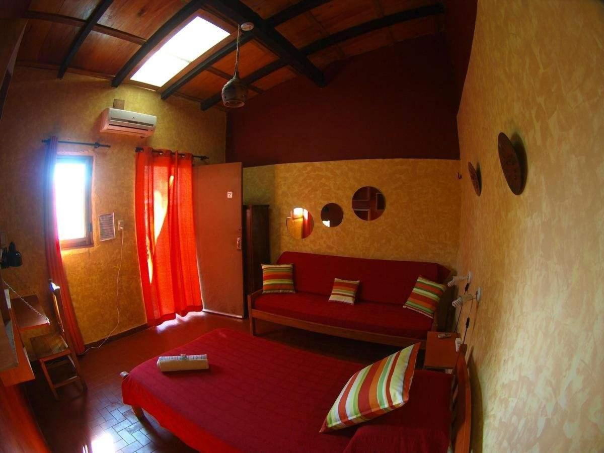 Single Room with Private Bathroom1