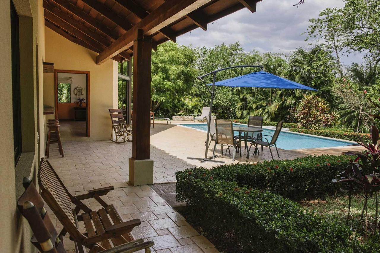 别墅带私人泳池和按摩浴缸5