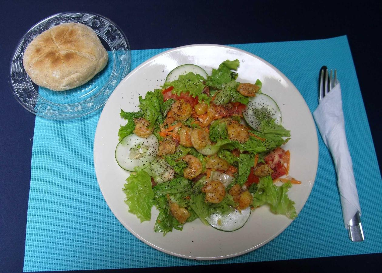 MIXED SALAD & SHRIMPS