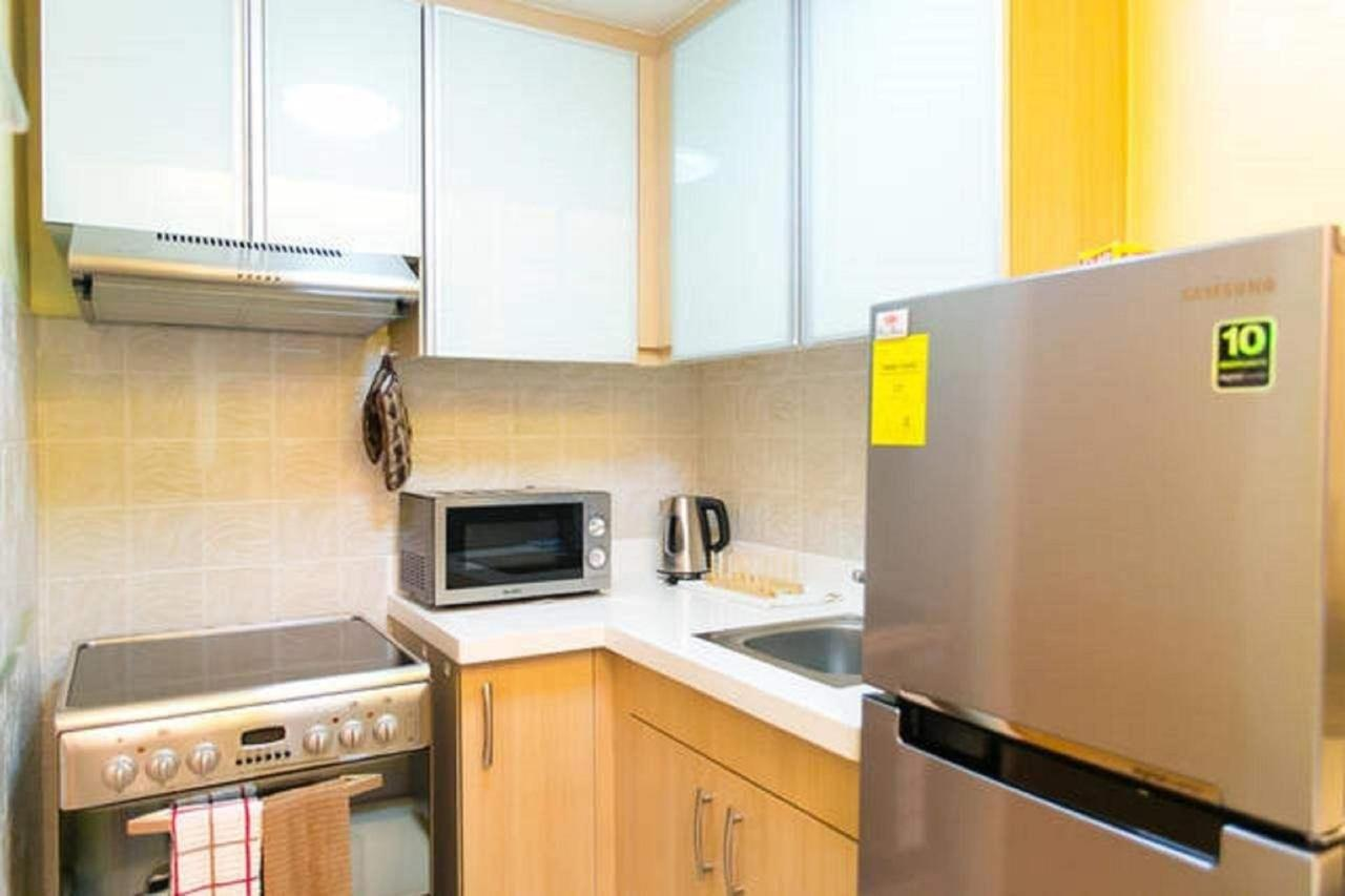 Kitchen in 1 bed apartment