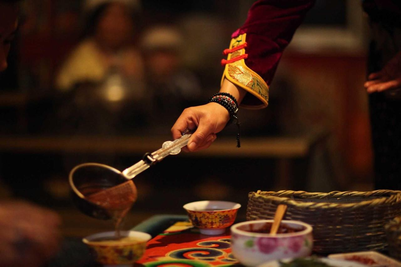 Zhuo Ma making yak butter tea.