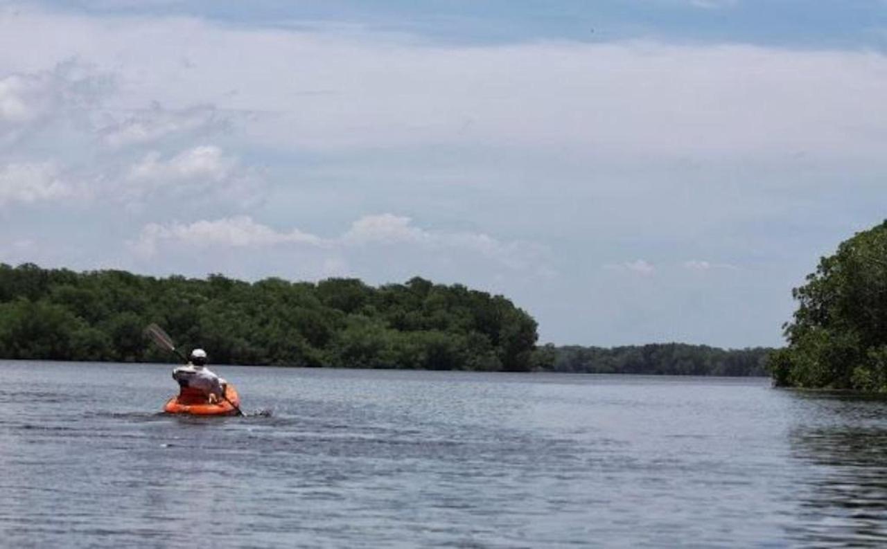 jesus-kayaking-at-estero-padre-ramos.JPG.1024x0.jpg