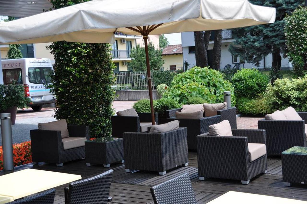 first-hotel-milano-malpensa21-exterior-1.JPG.1024x0.JPG
