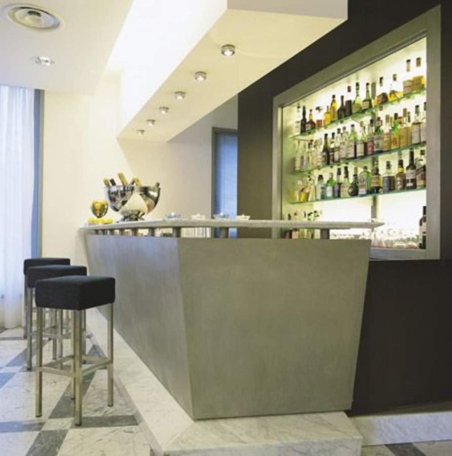 first-hotel-malpensa-bar-1.jpg.1024x0.jpg