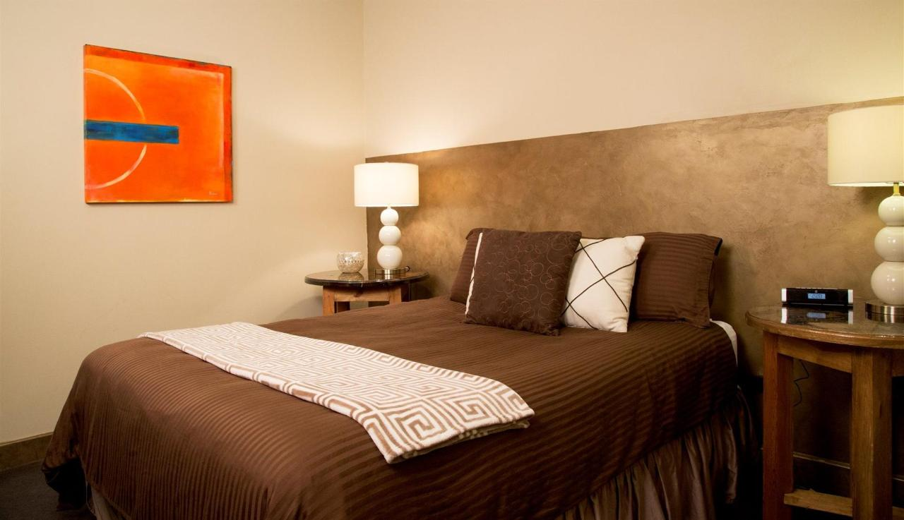 room-r-02.jpg