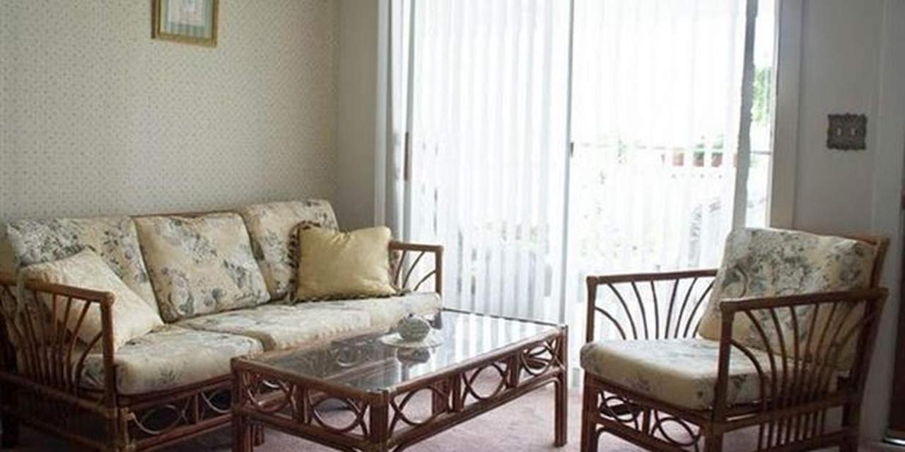 Room 11 Living Space.jpg