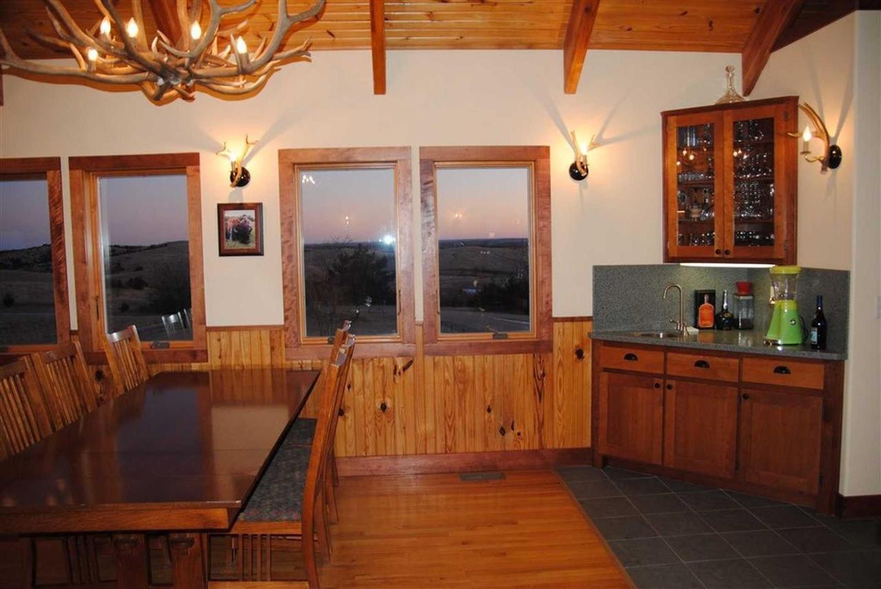 Upper Level & Kitchen