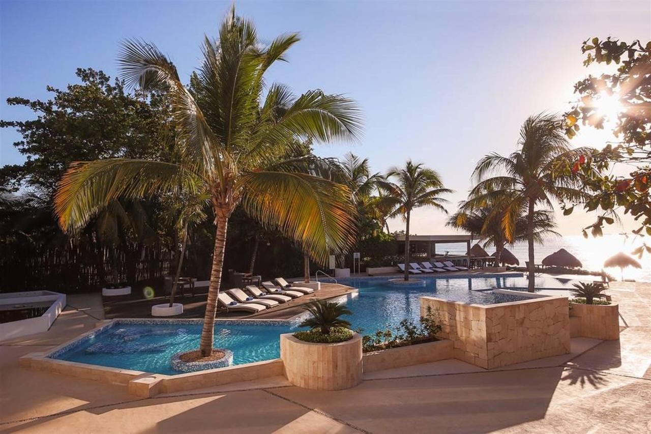 Le Reve Hotel & Spa - The view.jpg