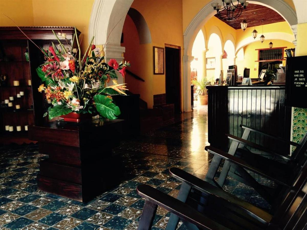 Hôtel - Recepción.jpg