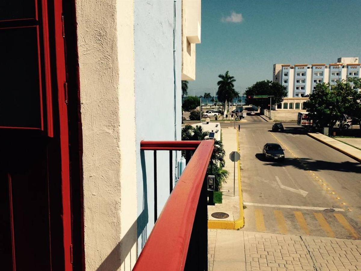 Campeche - De la balcony.JPG
