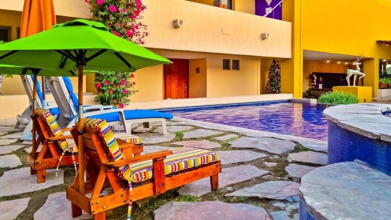 Hotel Los Patios - Descanso piscina.jpg