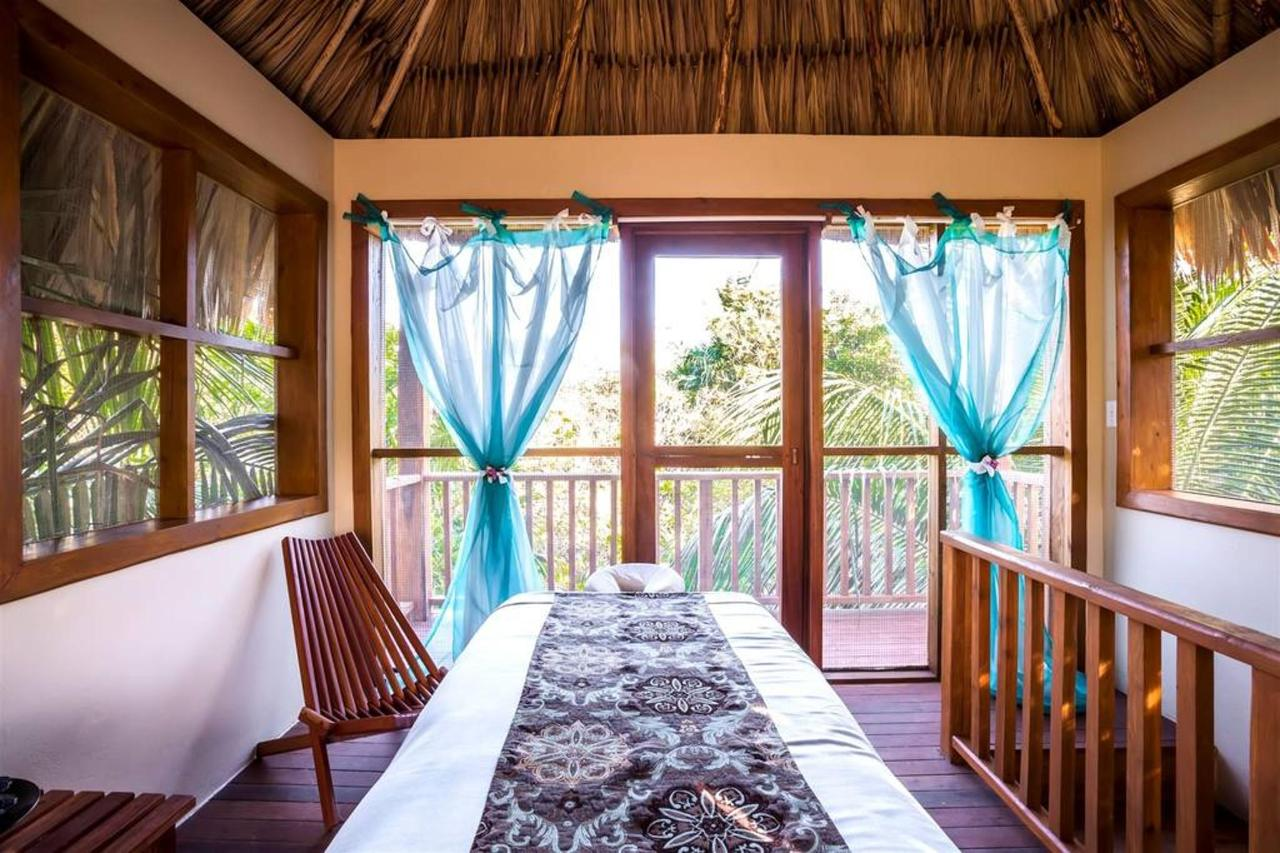 Spa Hotel El Secreto in Belize