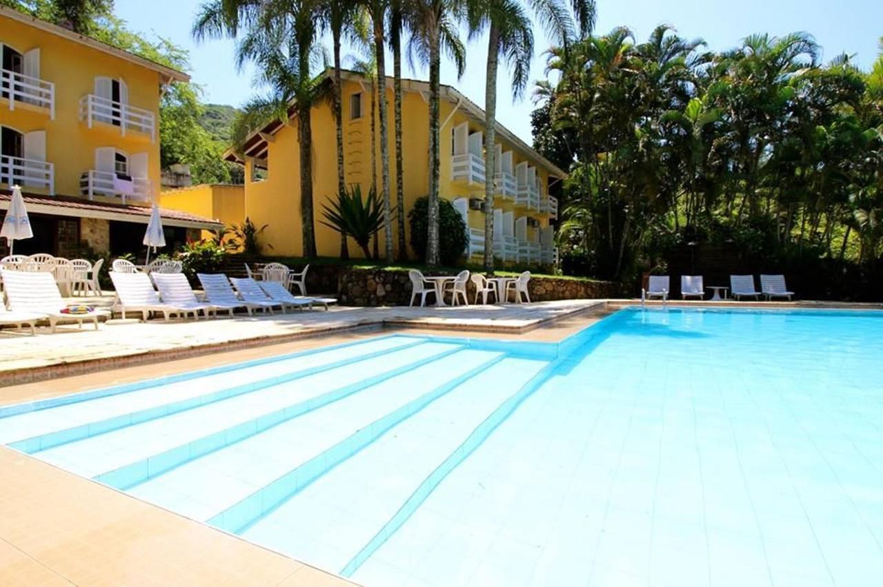 Hotel e Piscina