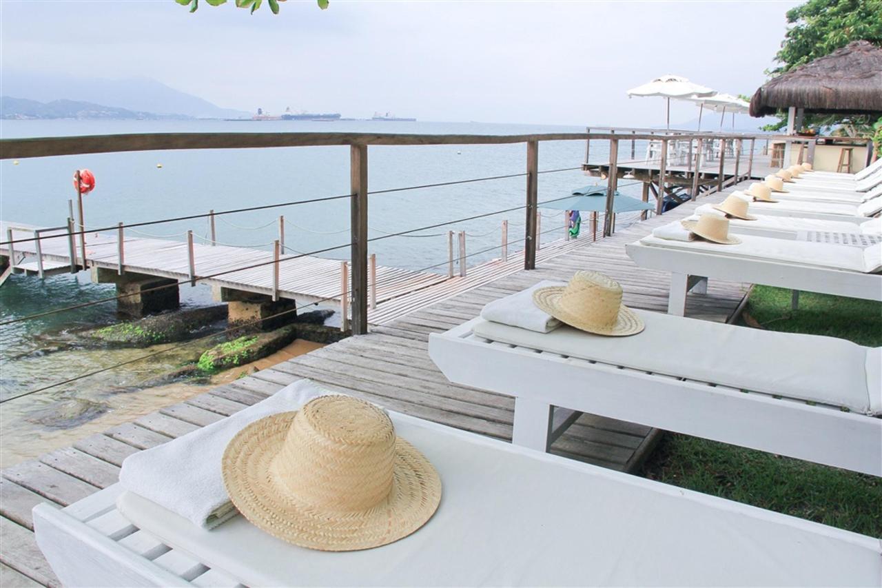 Deck Bar & Píer