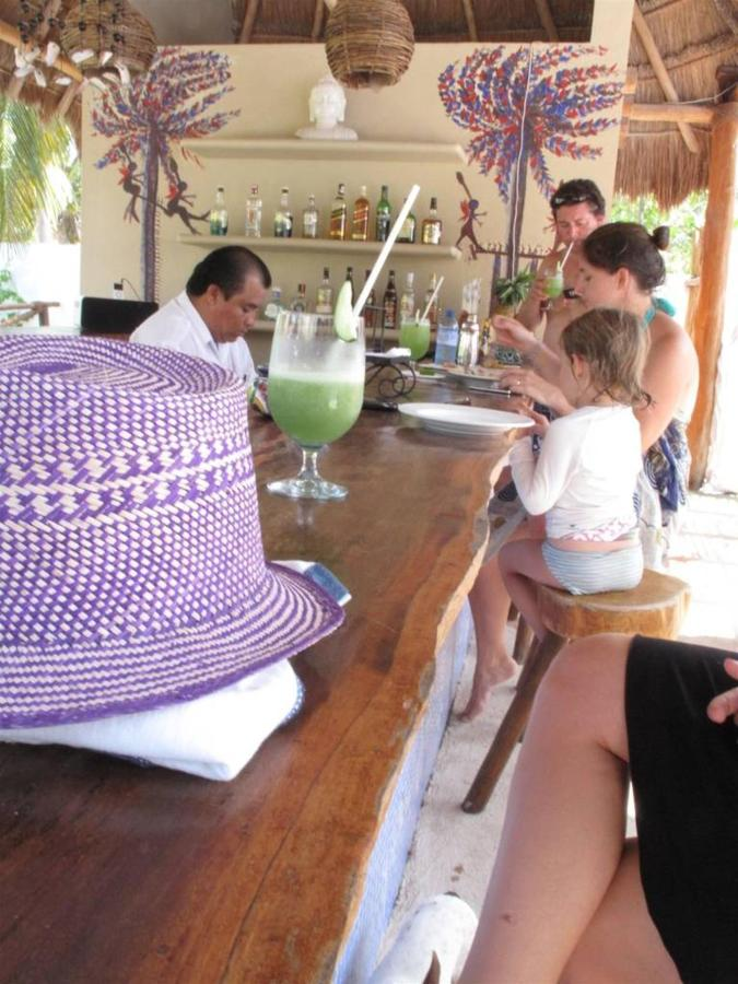 Mojito de Blue Bar, Galería, CasaSandra Boutique Hotel, Isla Holbox, Mexico.jpg