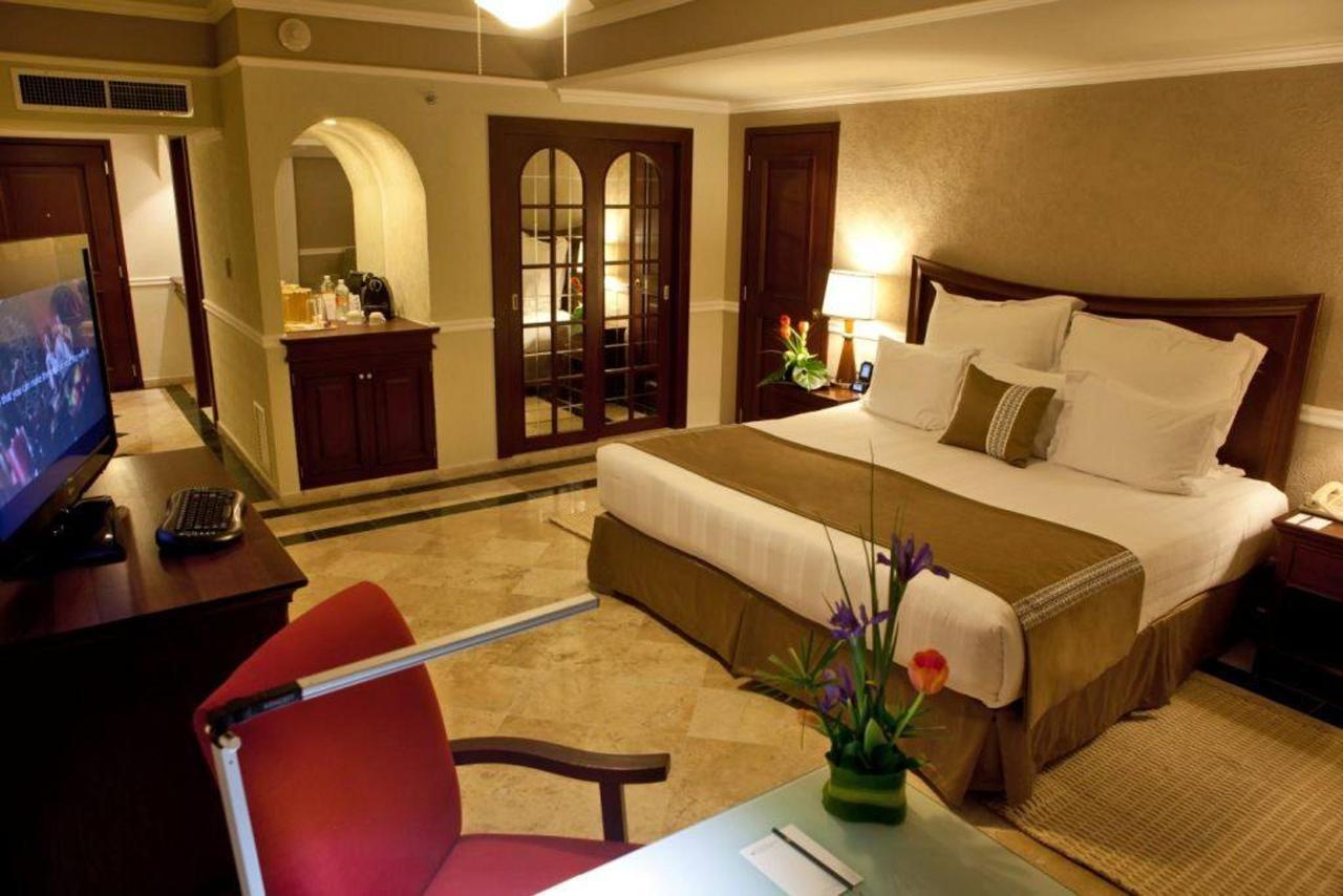 Piso Club,El Hotel, Presidente® InterContinental® Villa Mercedes Mérida, Mexico.jpg
