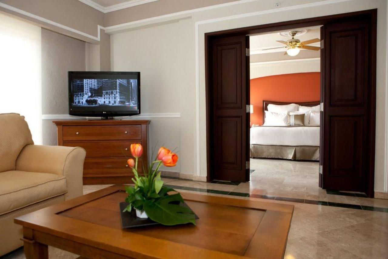 Master Suite, El Hotel, Presidente® InterContinental® Villa Mercedes Mérida, Mexico.jpg