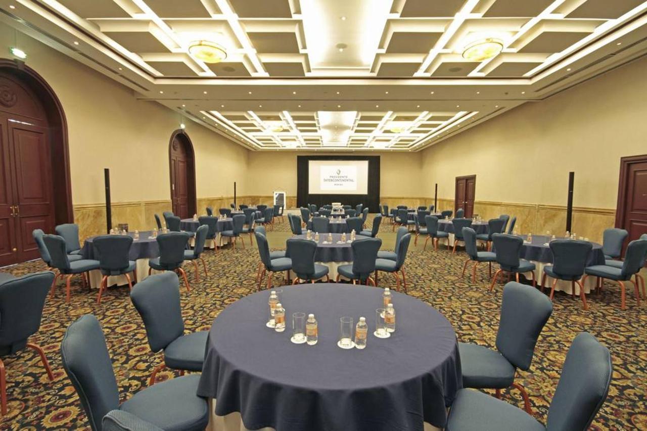 Gran Salón Media Luna, El Hotel, Presidente® InterContinental® Villa Mercedes Mérida, Mexico.jpg