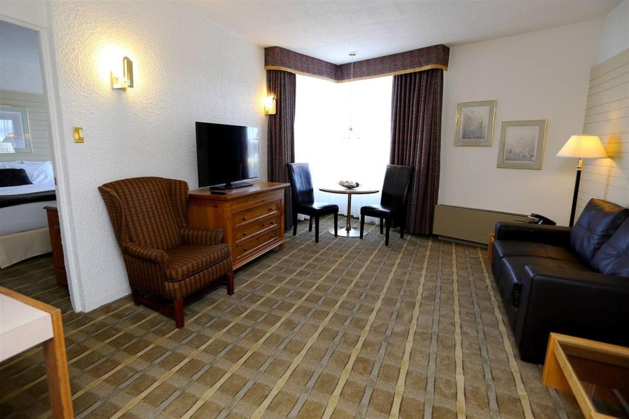 rimouski-suite-salon-1.jpg.1024x0.jpg