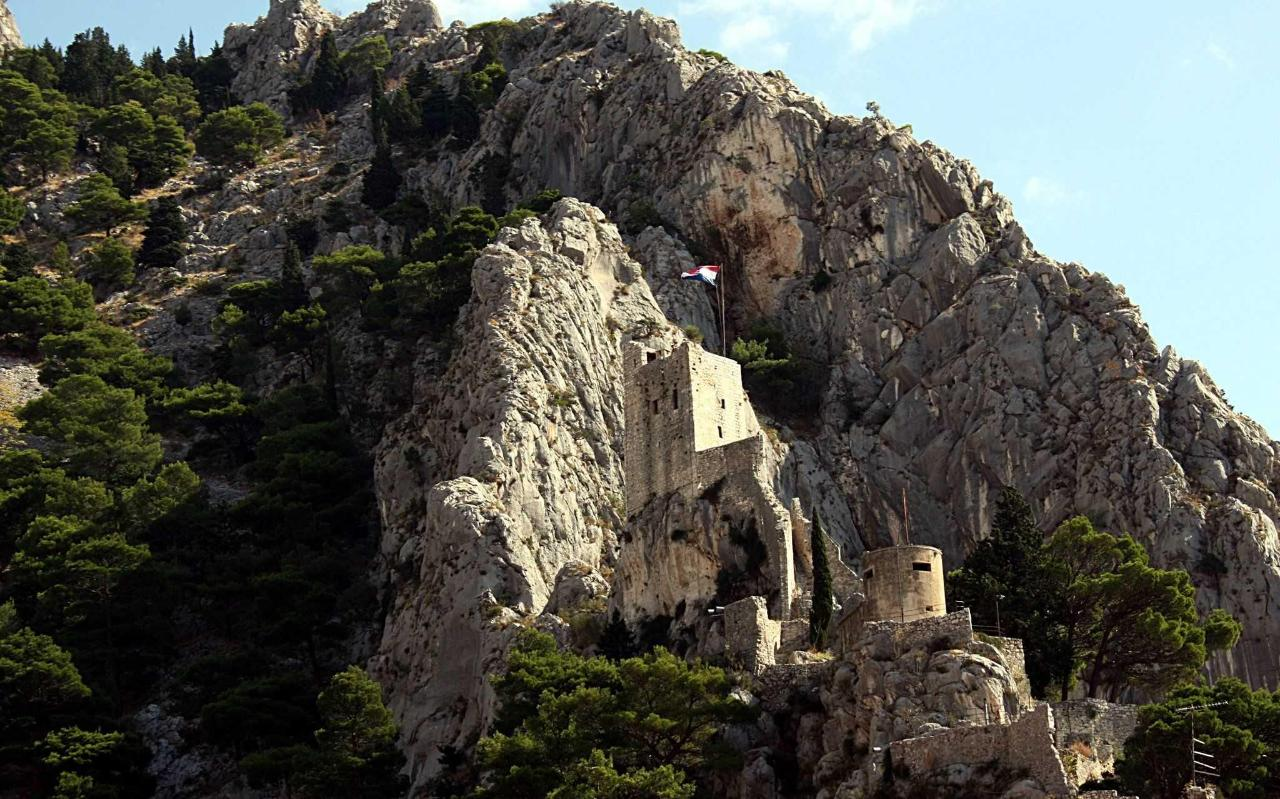 Omis Fortica Fortress