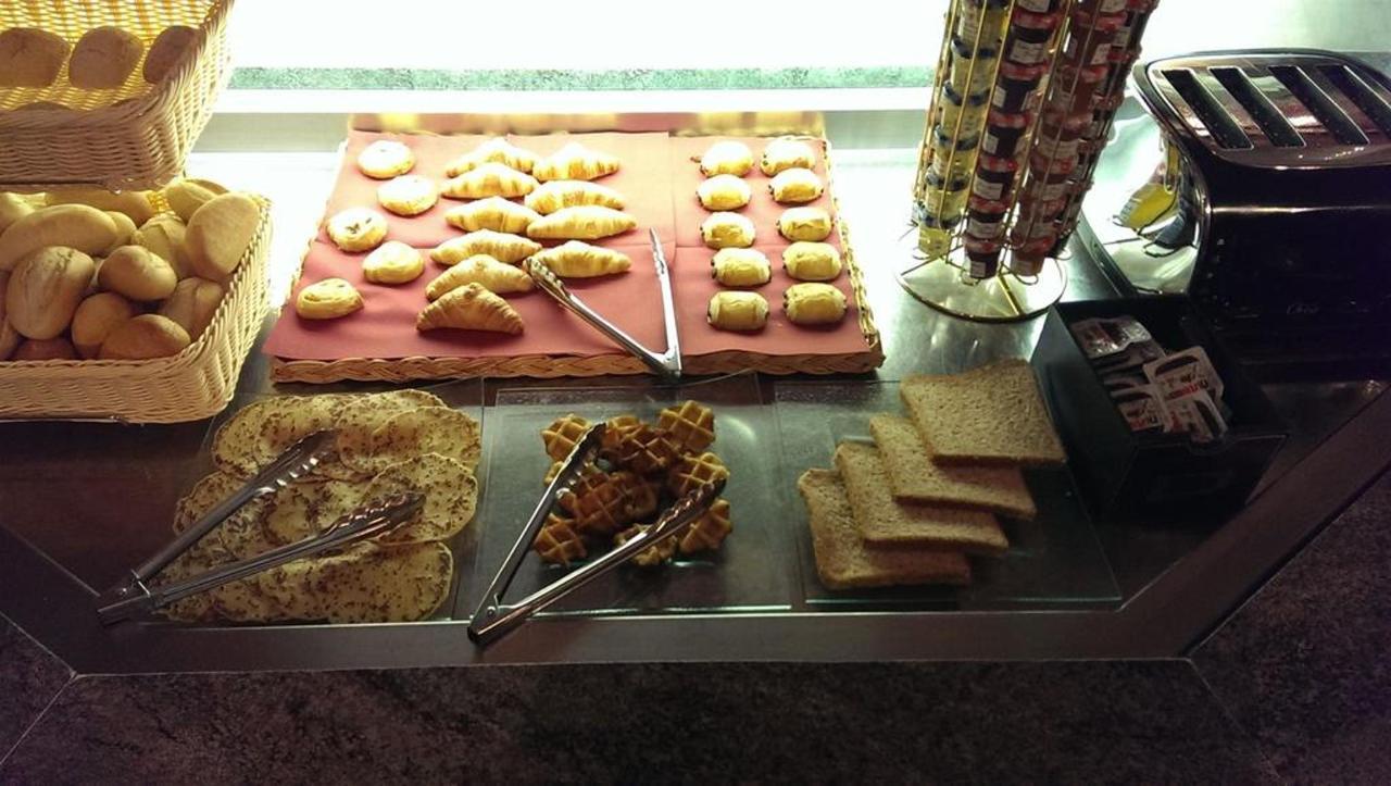 buffet-petit-d-a-jeuner-2.jpg.1024x0.jpg
