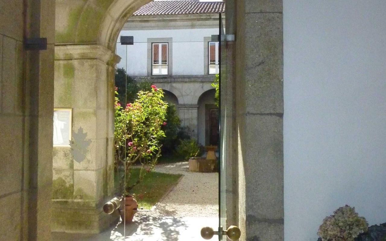 O claustro visto da entrada / The cloister seen from the entrance