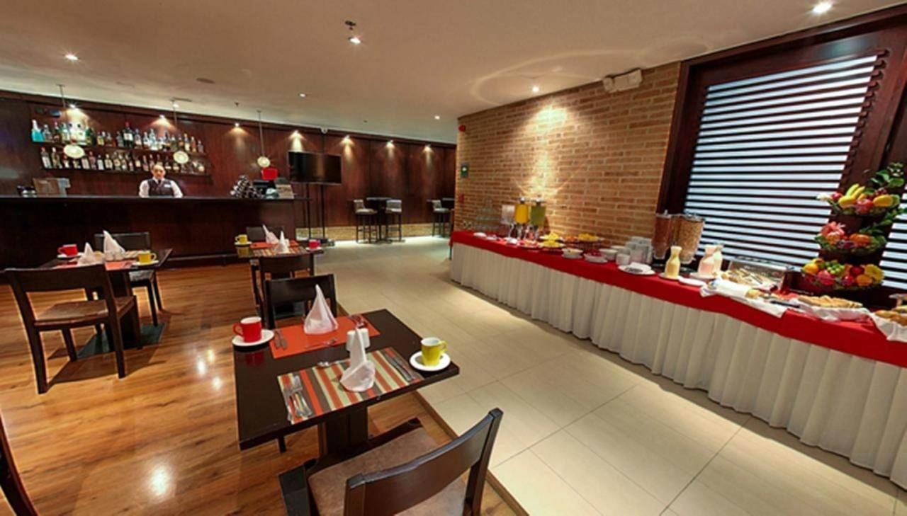 Restaurante Desayuno Buffet.jpg