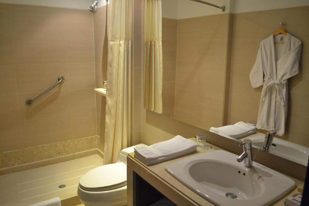 Baño Habitación Estandar.jpg