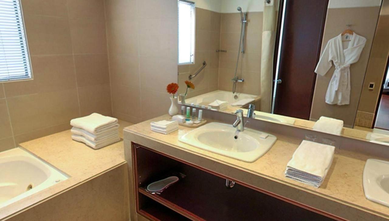 Baño Habitación Business.jpg