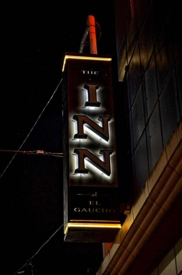 inn-sign-night.jpeg.1920x0.jpeg