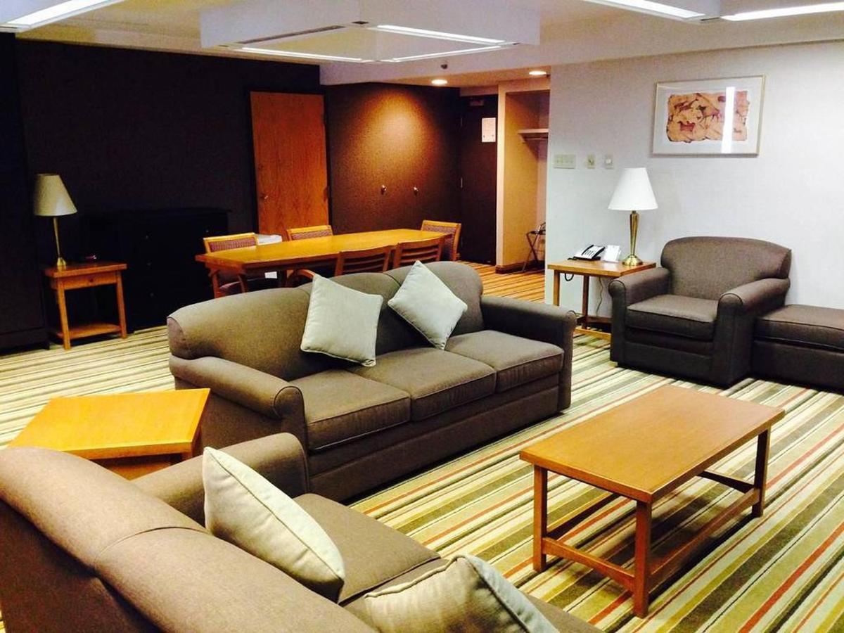 hospitality-suite.JPG.1024x0.JPG
