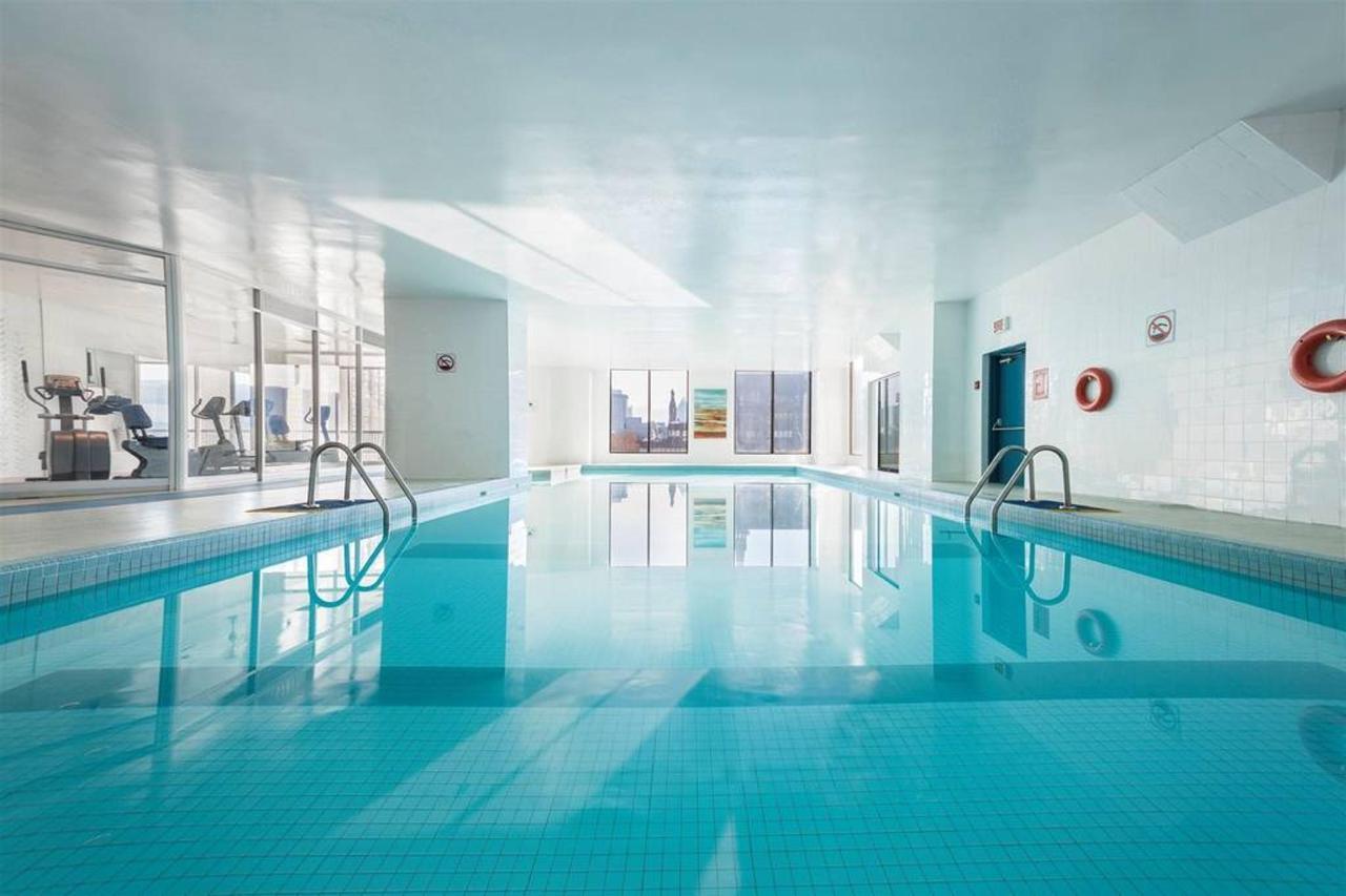 hotels_gouverneur_montreal_19_piscine.jpg.1024x0.jpg
