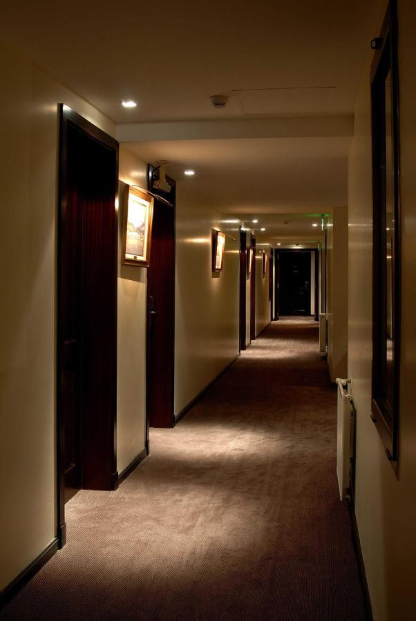 Pasillo Habitaciones - Hallway - El Casco Art Hotel.JPG.jpg
