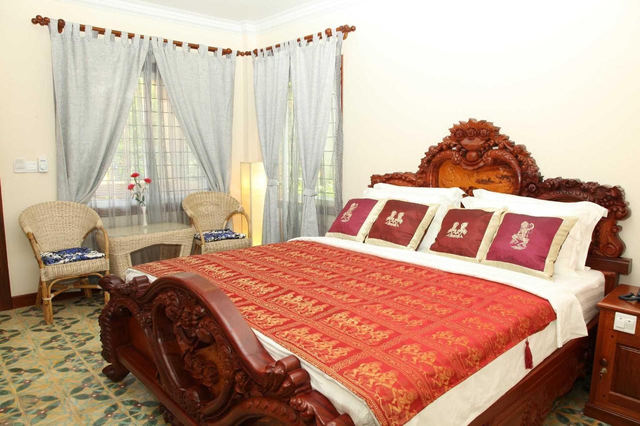 superior-king-room.JPG