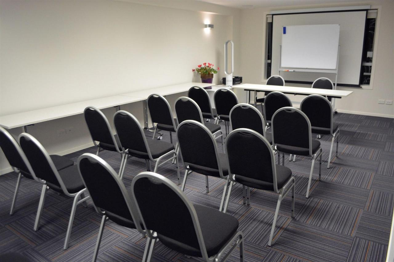 Conference Space_01.JPG