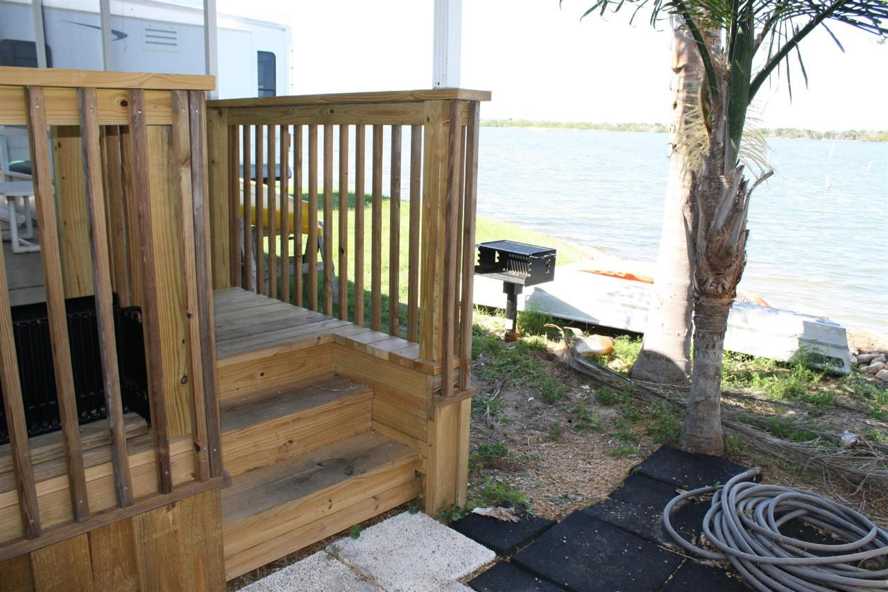 snook-porch-stairs-grill-view.JPG.1920x0.JPG