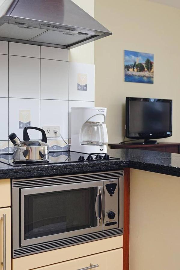 junior-suite-kitchen.jpg.1024x0.jpg