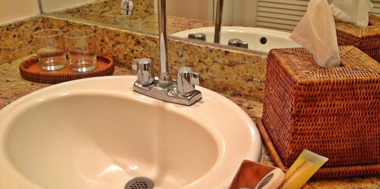equus-classic-bathroom-2.jpg.1236x617_default.jpg