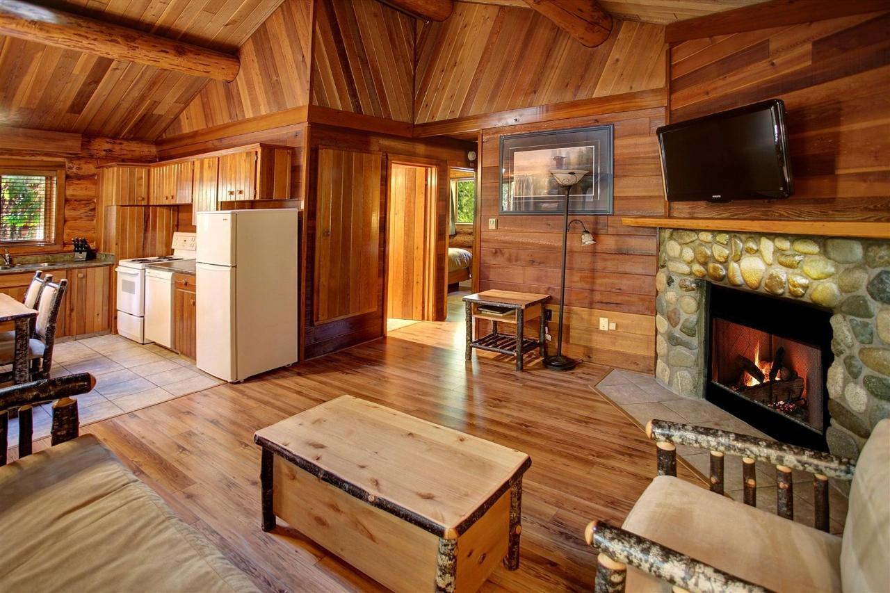 inside-cottage-1.jpg