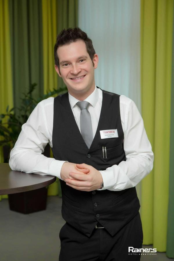 David Gobermann: Banquet Coordinatorfb03@rainers-hotel.eu.jpg